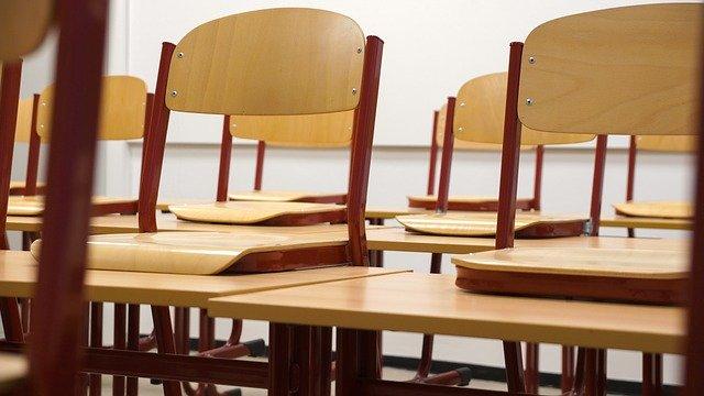 כיסאות בית ספר