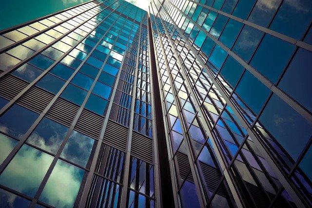 מדבקות זכוכית לעסקים